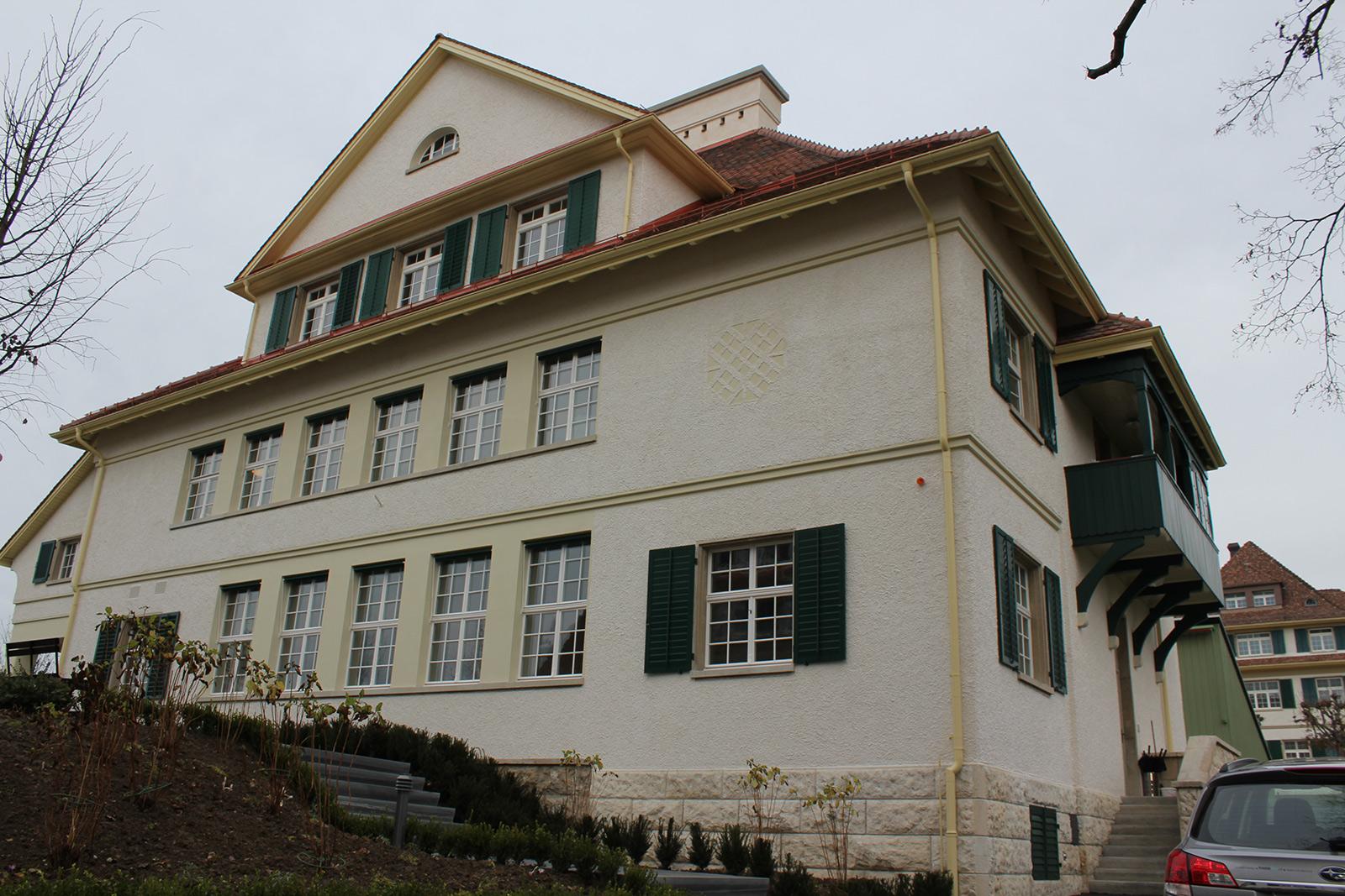 klinik hohenegg haus 4 meilen historfen historische fenster renovieren. Black Bedroom Furniture Sets. Home Design Ideas