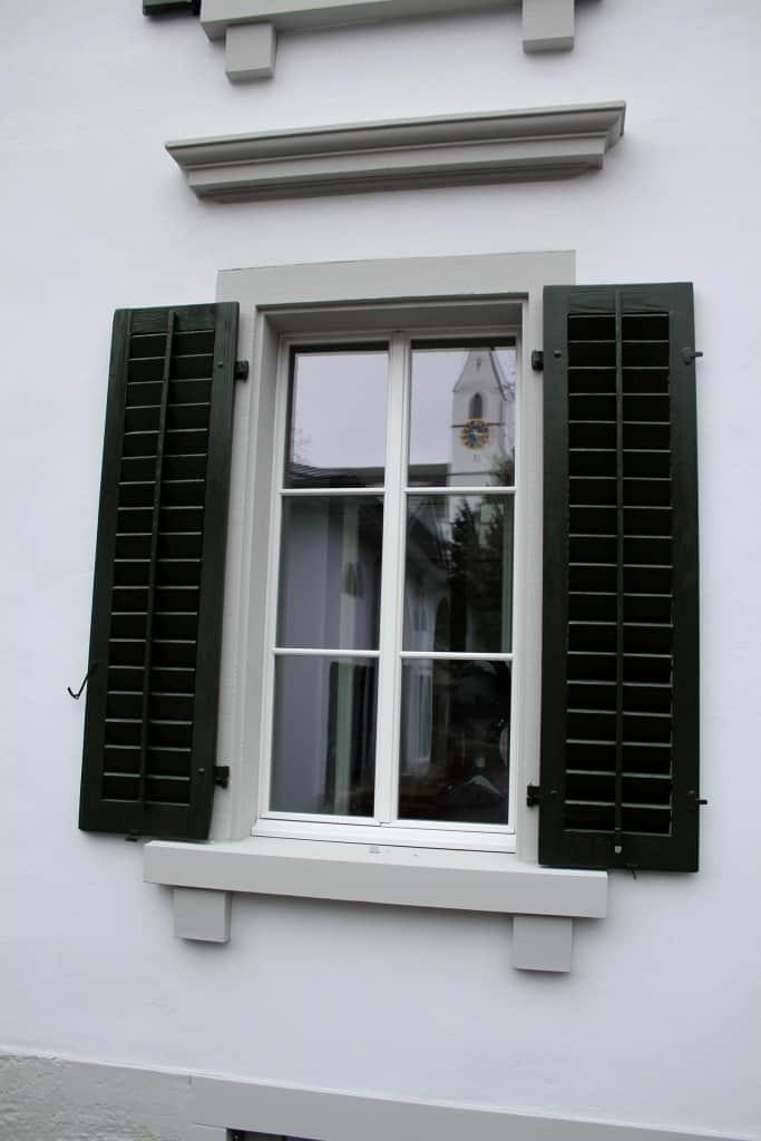 villa liebegg alte landstrasse 220 m nnedorf historfen historische fenster renovieren. Black Bedroom Furniture Sets. Home Design Ideas